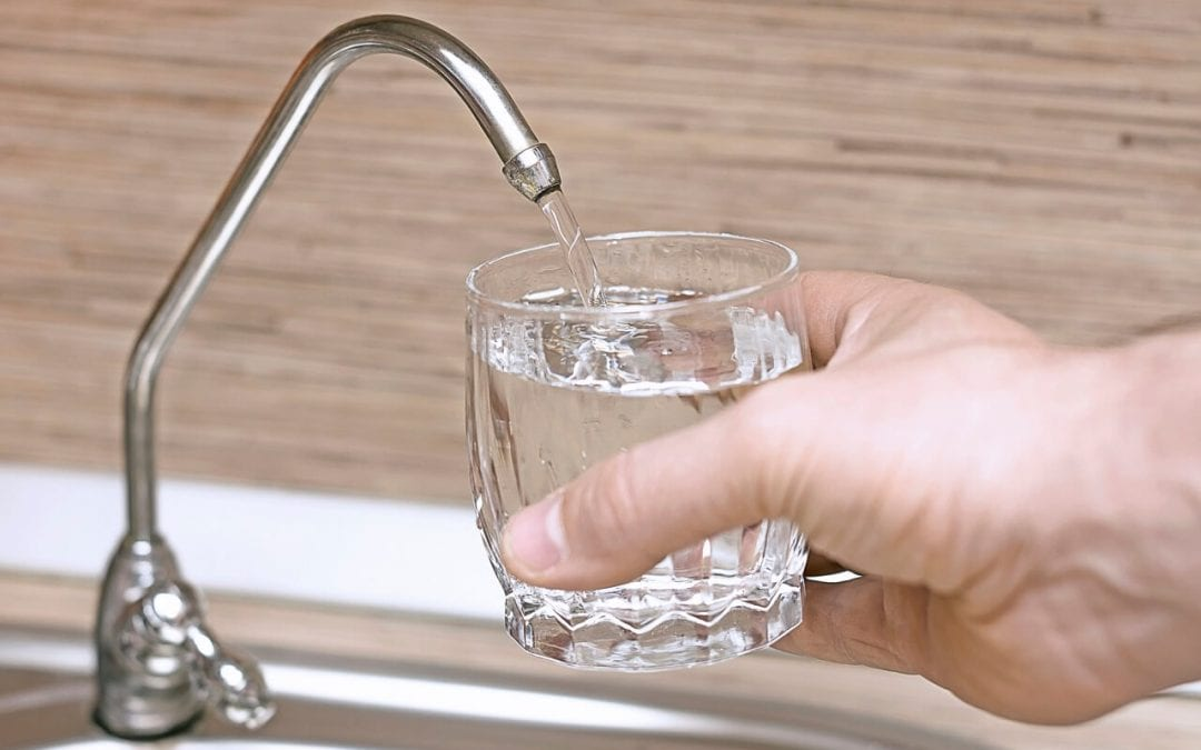 keep a healthy and safe home by installing a water filter
